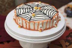 Торт хеллоуина с веб-дизайном Стоковые Изображения RF