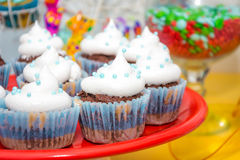 Торт чашки с сливк стоковое фото