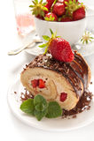 Торт швейцарского крена шоколада Стоковые Изображения