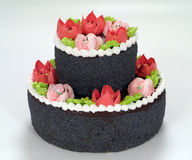 Торт шоколада с цветками Стоковые Фотографии RF