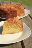 торт яблока dorset отрезал стоковое изображение