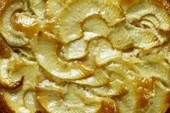 торт яблока покрыл ломтики студня Стоковая Фотография RF