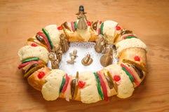 Торт явления божества, короля испечет, или rosca de reyes Стоковая Фотография RF