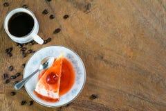 Торт crepe клубники и чашка кофе Стоковое Изображение RF