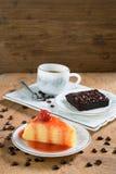 Торт Crepe, пирожное и чашка кофе Стоковая Фотография RF