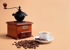 точильщик кофейной чашки душистый Стоковая Фотография RF