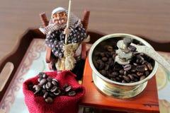 Точильщик и Befana Coffe стоковые изображения rf
