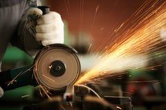 Точильщик sawing металла Стоковое Изображение