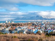 Точка зрения городского пейзажа Рейкявика от Perlan, Исландии стоковое фото rf