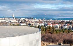 Точка зрения городского пейзажа Рейкявика от Perlan, Исландии стоковые изображения