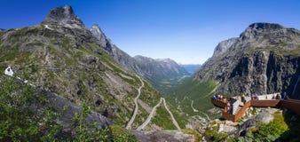 Точка зрения на дороге горы Geiranger Trollstigen в южной Норвегии Стоковые Фото