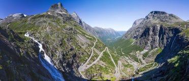Точка зрения на дороге горы Geiranger Trollstigen в южной Норвегии Стоковое фото RF