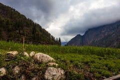 Точка зрения утра природы гор ландшафтов Предпосылка ландшафта горы Trekking Никто фото Горизонтальное изображение Стоковое Изображение