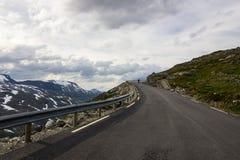 Точка зрения Dalsnibba и озеро Djupvatnet в Норвегии Стоковая Фотография