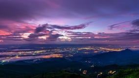 Точка зрения Phu Thap Berk на восходе солнца стоковая фотография