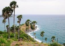 точка зрения phuket Таиланда phromthep плащи-накидк Стоковое Фото