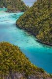 Точка зрения Wayag, ampat раджи, Индонезия Стоковое Фото