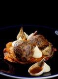Точная обедая изысканная кровопролитная сосиска/puding и sauerkraut черноты Стоковые Изображения