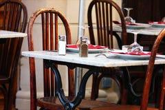 Точная сервировка стола в ресторане Стоковое Изображение RF