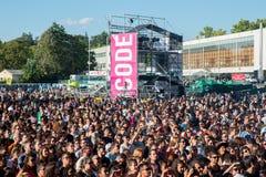 Толпа в концерте на фестивале Dcode Стоковая Фотография RF