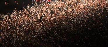 Толпа на концерте стоковые фото