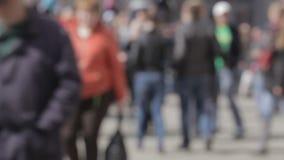 Толпа улицы города сток-видео