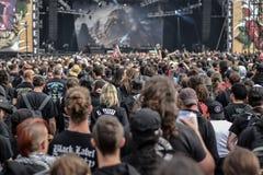 Толпитесь на концерте нарушенного диапазона металла Стоковое Фото
