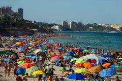 Толпить пляж стоковое изображение
