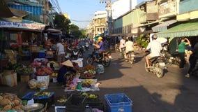 Толпить улица рынка акции видеоматериалы