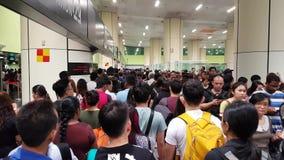 Толпить люди в зале акции видеоматериалы