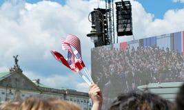 Толпы флаги волны восторженно Квадрат Krasinski Стоковые Фотографии RF