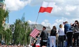 Толпы флаги волны восторженно Квадрат Krasinski Стоковые Изображения RF