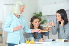 Только женщины в кухне Стоковые Изображения RF