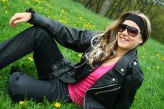 трава девушки предназначенная для подростков Стоковые Фото