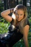 трава девушки Стоковая Фотография