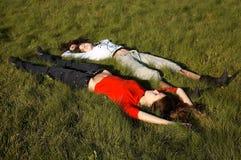 трава девушок Стоковые Фото