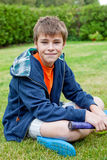 трава мальчика немногая Стоковые Фото