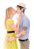 трава пар передняя целуя lesbian Стоковое фото RF