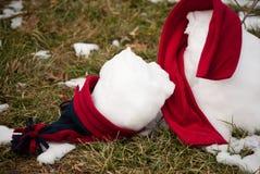 трава расплавила снеговик Стоковая Фотография