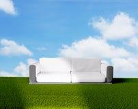 Трава 3d-illustration clodus неба кресла Стоковая Фотография