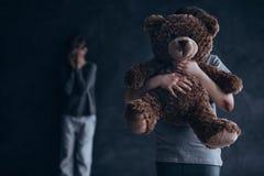 Травматичное и тягостное детство стоковые фотографии rf