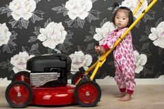 травокосилка ребенка Стоковое Изображение RF