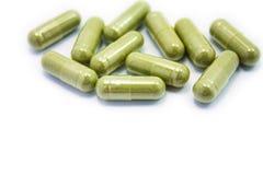 Травяное лекарство, нетрадиционная медицина в капсуле Стоковое Изображение RF