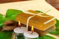 Травяное естественное handmade мыло и свечи Стоковое Фото