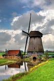 Традиционная голландская ветрянка стоковые изображения rf
