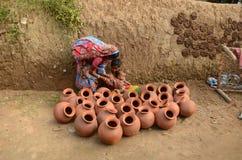 Традиционная гончарня делая деревню стоковая фотография rf