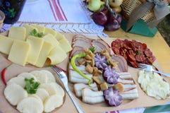 Традиционная сервировка стола на фестивале еды Стоковые Изображения