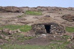 Традиционная хата ` s sherpard Basotho, Лесото стоковые изображения