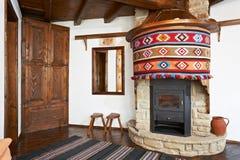 традиционное болгарской дома нутряное стоковые фото