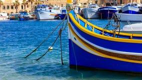 Традиционное красочное luzzu шлюпки на порте Marsaxlokk, Мальты крупного плана eyedroppers высокий разрешения взгляд очень Стоковое Фото